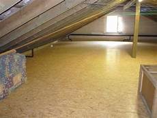 osb platten verlegen dachboden dachboden mit neu verlegten osb platten und d 228 mmung der