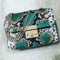 tas kulit ular asli pasai aceh