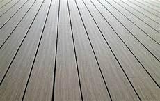 Bodenbelag Terrasse Kunststoff - wpc terrassendielen bodenbelag f 252 r terrasse und balkon