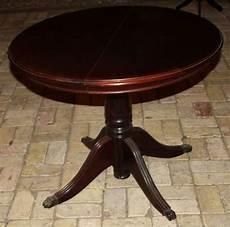 runder tisch mit stühlen runder tisch mit mittels 228 ule englisch mahagoni