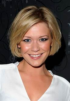short classic hairstyles for