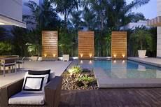 moderne gartengestaltung mit pool ubhouse by paula martins arquitetura interiores