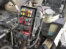2006 kenworth fuse box diagram kenworth t300 fuse and relay box reading industrial wiring diagrams