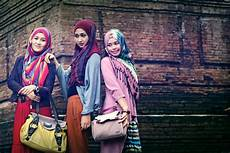 Busana Travelling Muslimah Tutorial Pashmina By Scarf