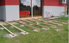 pavimenti in legno per giardini pavimenti per giardini esterni rz01 pineglen
