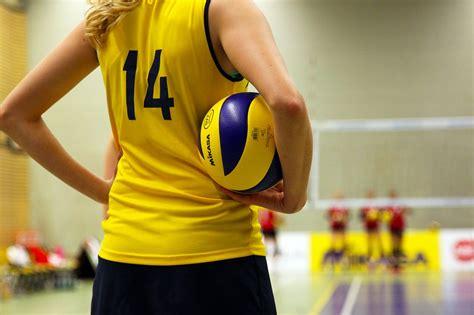 Nude Female Volleyball Players