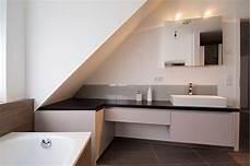 das badezimmer unterm dach individuelle so macht ihr aus einem alten dachboden ein tolles bad