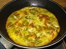 frittata con fiori di zucchina fiori di zucca o di zucchina due ricette green it