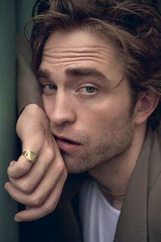 robert pattinson tells willem dafoe what he s terrified about