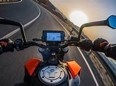 2017 ktm 390 duke 5 things you can do with colour tft