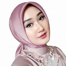 Model Jilbab Segi Empat Yang Cocok Untuk Kebaya Jilbab Gucci