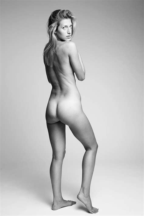Upskirt No Panties Xxx