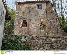 antike italienische architektur haus mit steinfassade und