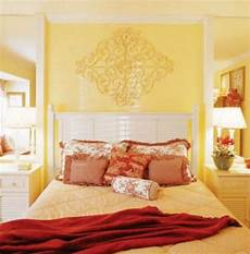 Yellow Walls Bedroom Decorating Ideas by Yellow White A Vibrant Combination For Your Room