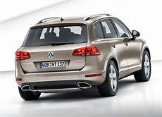 2011 volkswagen touareg all models service and repair manual tradebit volkswagen touareg 2011 offers more of the same drive arabia