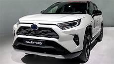 2019 toyota rav4 hybrid and 2019 honda cr v walkaround