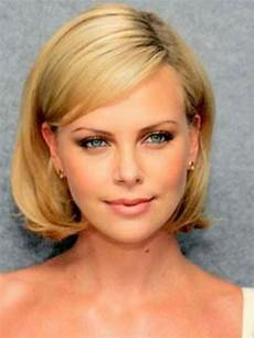 charlize theron bob beautiful blondes pinterest bangs hairstyles and best shorts