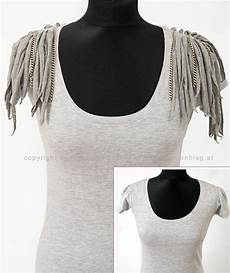 Do It Yourself Kleidung - diy upgrade your t shirt clothes inspiration fringe