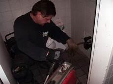 toilette verstopft kosten toilette verstopft toilette l 228 uft nicht ab wir helfen