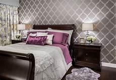 schlafzimmer tapete trends 22 geometric wallpaper designs decor ideas design