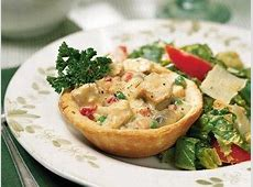 creamed chicken in biscuit bowls image