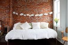 Backstein Tapete Schlafzimmer - bright bedroom exposed brick wallpaper loft ideas