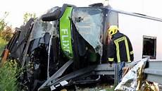 flixbus unfall bei leipzig ermittlungen gegen busfahrer