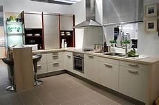 küchen mit theke ikea k 252 chen jalousieschrank valdolla