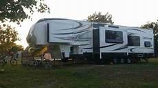 wohnmobil wohnwagen sattelauflieger mit garage wohnwagen