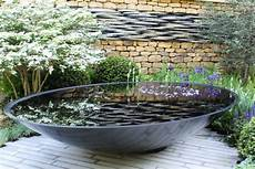 Wasserspiel Stein Garten - water features for small spaces hgtv