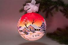 beleuchtete weihnachtskugeln beleuchtete glaskugel 18 cm mit winterlandschaft rot