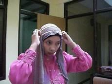 Kreasi Jilbab Ryuki Kerudung Segitiga Untuk Undangan Pesta