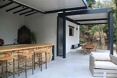 bar en béton ciré grande terrasse en b 233 ton cir 233 avec espace salon repas bar