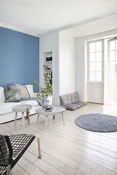 babyblau als wandfarbe im wohnzimmer wandgestaltung