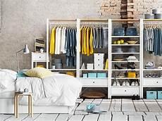 kleiderschrank nach farben sortieren verstauen mit system bild 6 in 2019 ankleidezimmer