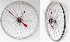 deko aus fahrradteilen upcycling fahrradteilen reifen uhr basteln diy