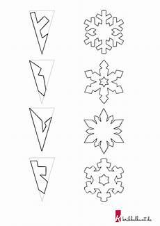 schneeflocken basteln mit kindern aus papier mit