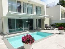 Modernes Haus Gr Terrasse U Pool Tennis Und 4x Golf In D