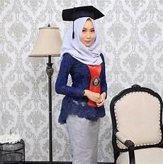 50 Model Wisuda Muslim Modern Terkeren 2019 Model