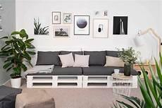 wohnzimmer aus paletten bankig selber bauen palettenm 246 bel obi selbstbaum 246 bel