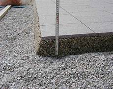 terrassenplatten legen