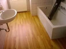 vinylboden im bad verlegen flexoop vinyl im bad