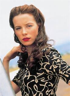 pearl harbor movie hairstyles ss3213314 kate beckinsale pearl harbor movie photo nel 2019 capelli anni 40 idee per