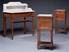 Table De Toilette Et Deux Chevets Fin Du Xixeme Debut