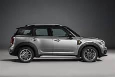 mini countryman versions new mini countryman gets hybrid version car and motoring