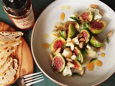 Rezepte Mit Feigen - figs with marcona almonds aged goat cheese and honey