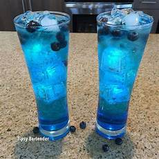 439 best blue cocktail madness images pinterest alcoholic drinks cocktail recipes and