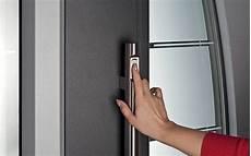 apertura porta impronta digitale porte blindate con impronte digitali come funzionano