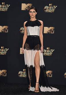 Mtv Awards 2017 Bold Style From S