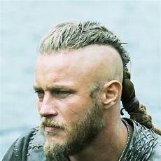 travis fimmel haircut travis fimmel hairstyles with beard menhairstylist com